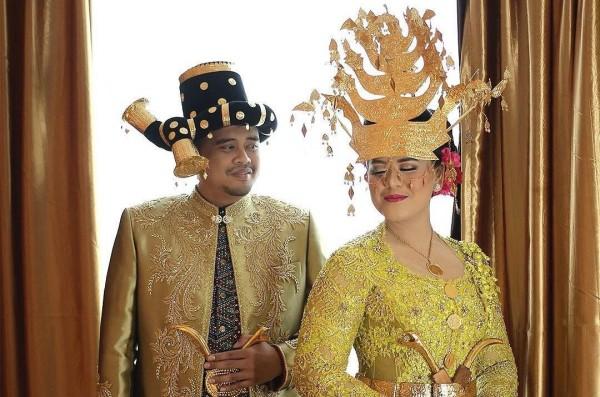 Pernikahan Kahiyang dan Bobby putri Presiden Indonesia Tahun 2017 menjadi tahun yang membahagiakan bagi Presiden Jokowi karena telah menikahkan putri satu-satunya, Kahiyang Ayu dengan pengusaha muda Bobby Nasution. Pernikahan ini juga menuai banyak pujian karena digelar dengan menggunakan pesta adat-istiadat yang sangat kental.