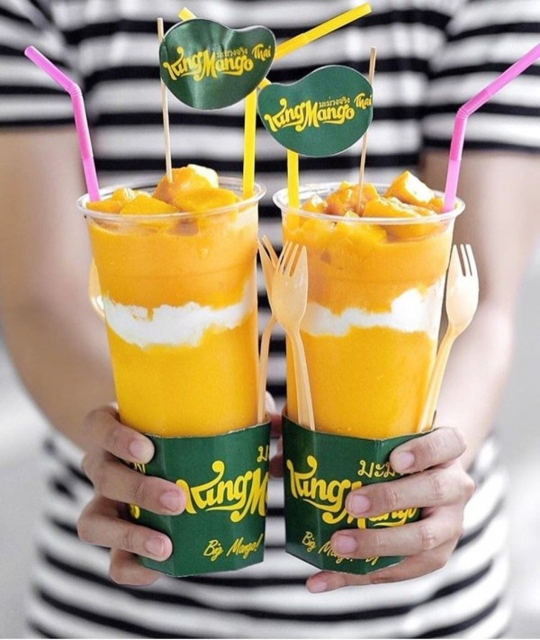 Mango jus Thailand Sebenarnya resep jus mangga asal Thailand ini menduduki peringkat pencarian pertama di Google. Buat kamu yang ingin lebih ekonomis dan higienis, nggak ada salahnya untuk bikin minuman hits ini di rumah.