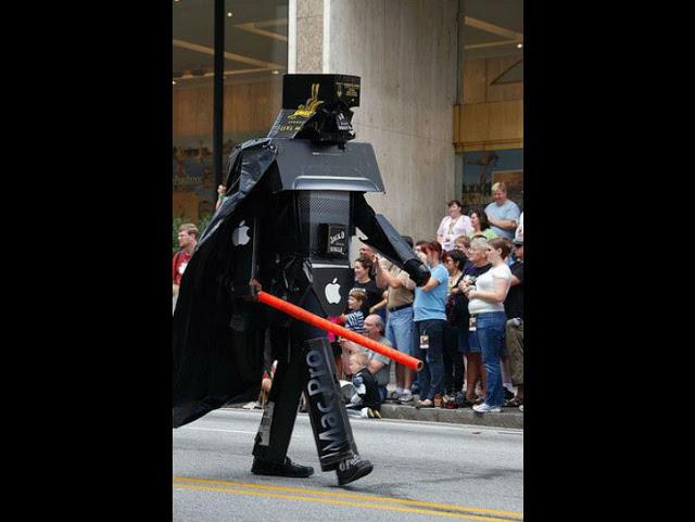 Darth Vader hasil evolusi dari karton bekas nggak terpakai.