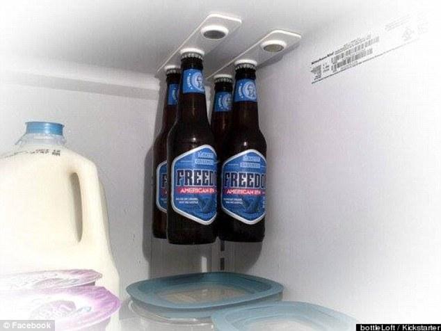 Juga bisa kalian pasang di lemari es biar makin hemat tempat sob.