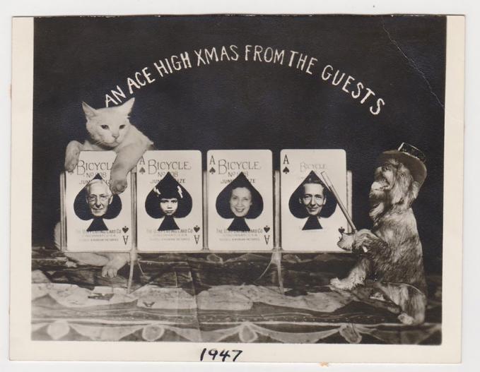 Ini adalah kartu ucapan selamat Natal yang dibuatpada tahun 1947 silam.