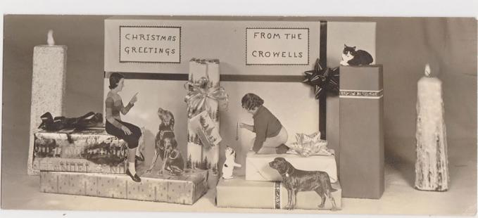 Cuma pas Natal aja anjing sama kucingnya lagi akur nih sob.