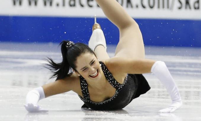 Atlet ice skating Kaetlyn Osmond nggak hilang ya pesona kecantikannya. Walaupun kita tau, dia pasti sakit banget tuh.