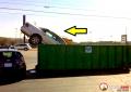 7 Foto Tragis Mobil Mewah yang Berakhir di Tempat Sampah