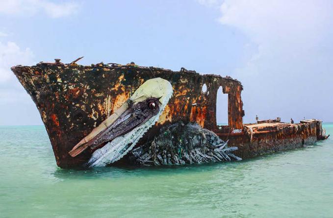 Onggokan kapal karam juga bisa lho jadi makin keren.
