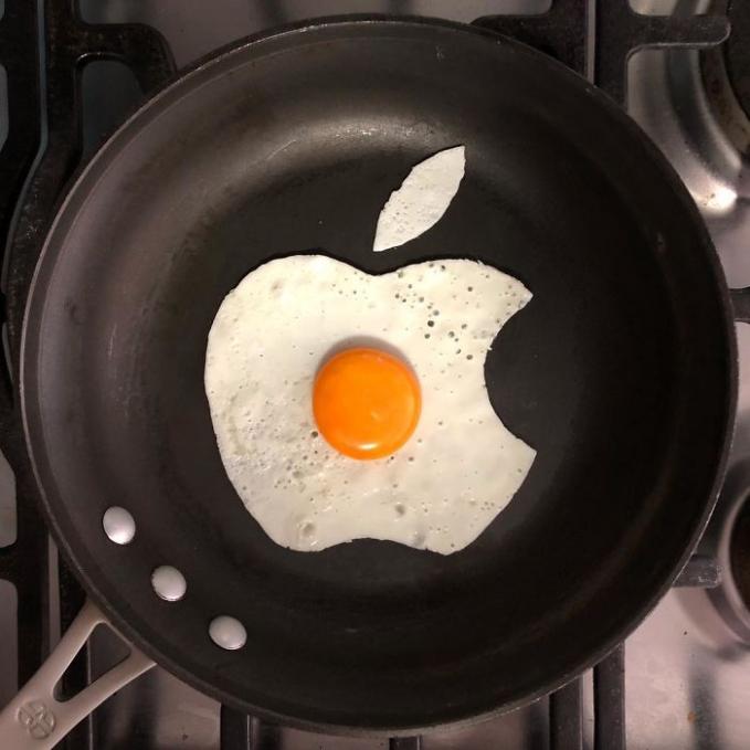 Unik dan keren kan Pulsker karya seni telur goreng ala seniman Meksiko, Michele Baldini ini?. Jadi sayang ya buat dimakan.