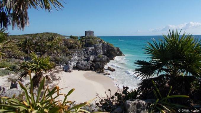 Kita beralih ke negara latin Pulsker, kali ini ada Meksiko yang tak kalah menariknya. Eksotisme pantai dan budaya latin yang khas membuat 32.1 juta turis ingin menghabiskan waktunya di negara yang berbatasan langsung dengan Amerika Serikat ini.