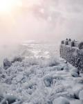Pemandangan Menakjubkan Air Terjun Niagara yang Membeku, Seperti di Film Frozen