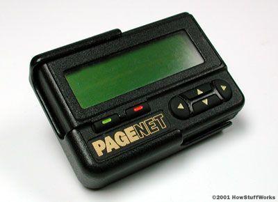 Pager Jauh sebelum ada aplikasi chatting di smartphone, pager lah yang membantu orang jaman old menyampaikan pesannya melalui teks.