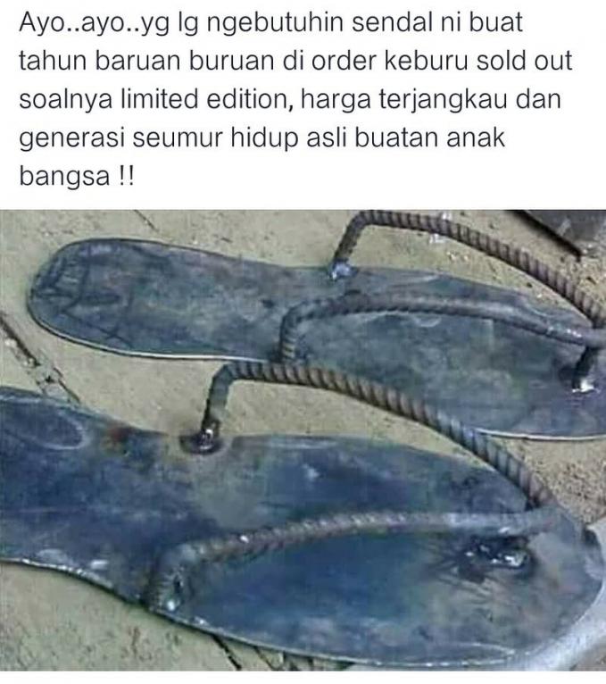 Sandal ini cocok banget kalau dipakai Jumatan.. Anti maling.