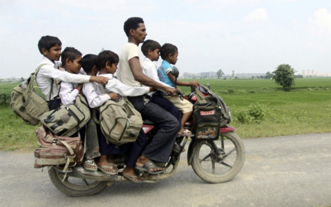 Jasa pengantar jemput anak sekolah, kenapa nggak naik mobil aja ya?