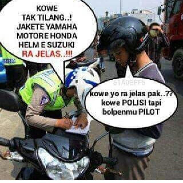 Selalu ada alibi untuk menjawab pertanyaan Pak Polisi ya gengs pengendara satu ini. Ditanya nggak jelas dia juga jawab kalau polisinya nggak jelas.