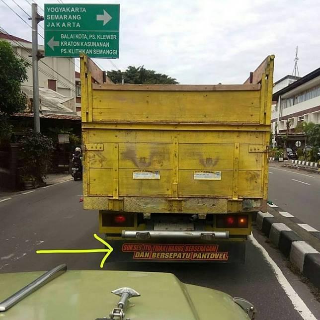 Arti kesuksesan menurut para pengendara truk.