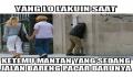 10 Meme Ekspresi Ketemu Mantan yang Bikin Salah Tingkah