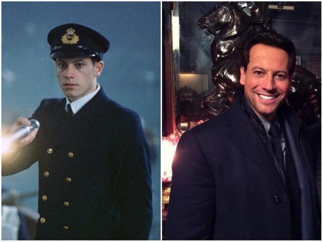 Ioan Gruffud yang dulu memerankan Fifth Officer Lowe nampak muda, sekarang sudah jadi bapak-bapak tuh.