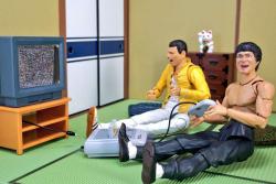 Lewat Action Figure, Ini Jadinya Kalau Bruce Lee dan Freddie Mercury Tinggal satu Atap