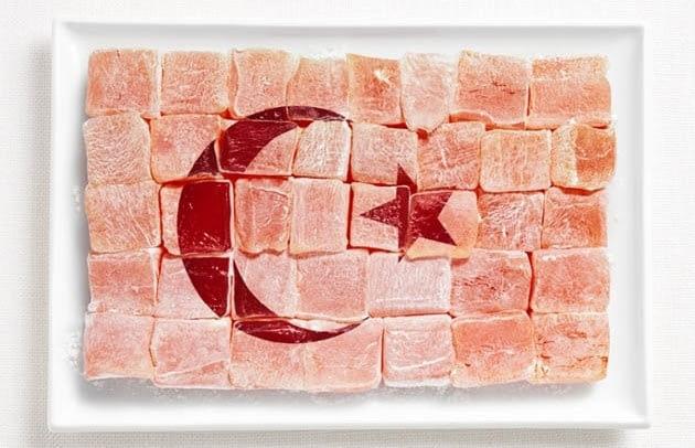 Di Turki makanan ini dikenal dengan nama Lokum. Pantesan jadi bahan dasar kreasi ini ya?.