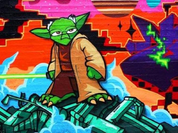 Tak ketinggalan pula master Yoda menghias dinding pinggir jalan dengan gaya grafiti lama.