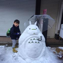 10 Boneka Salju Keren Bikinan Warga Jepang Saat Musim Dingin