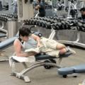 Bukannya Berolahraga, Ini 10 Hal Konyol yang Dilakukan Orang Saat di Gym