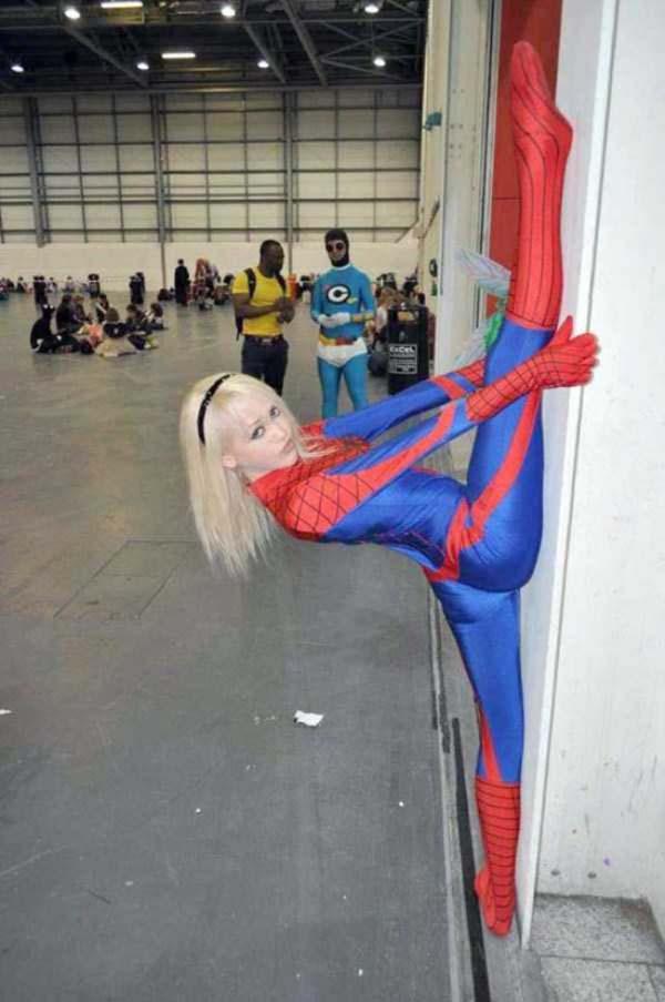 Sepertinya cocok nih buat jadi stuntman-nya Spiderman Pulsker.