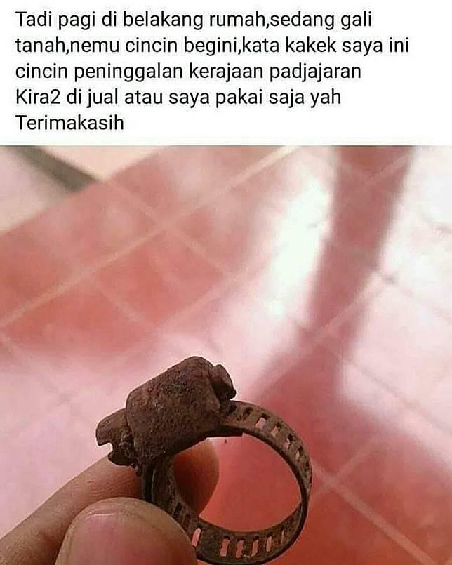 Bentuk cincin jaman Majapahit.