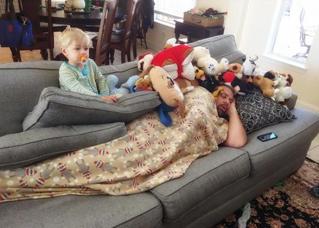 Yang udah jadi orang tua Pasti pernah mengalami dikerjain anak seperti ini, bener nggak?