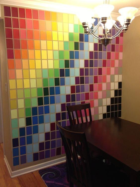 Atau kalau kalian suka mengkombinasikan gradasi warna, motif seperti ini nggak kalah keren lho.