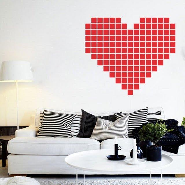Agar suasana ruangan penuh cinta bisa juga dibikin pola berbentuk hati warna merah. Apalagi mendekati hari valentine, pas banget deh.