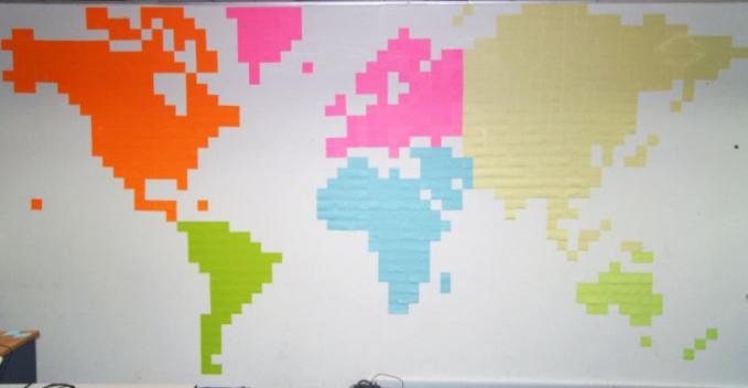 Hmm, bisa sekalian buat sarana belajar geografi peta negara di dunia untuk anak-anak ya kalau kayak gini.
