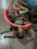 10 Tingkah Ketiduran ala Anak Warnet Ini Bikin Ngakak Sampai Mules