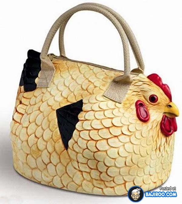 Wah, kalau bawa tas beginian ke pasar dikira bawa ayam beneran nih takutnya.