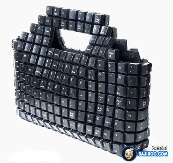 Kata siapa tombol keyboard tak terpakai cuma jadi sampah, kalau kita kreatif bisa jadi tas jinjing keren.