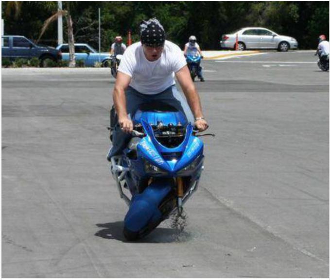 Motor besar nggak menjamin kamu akan bebas freestyle karena memakai motor mahal ya, ini buktunya!