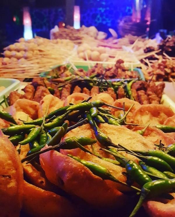 Weci/heci Di Malang, Jawa Timur, masyarakatnya biasa menyebut gorengan berisi sayur ini dengan sebutan heci atau weci.