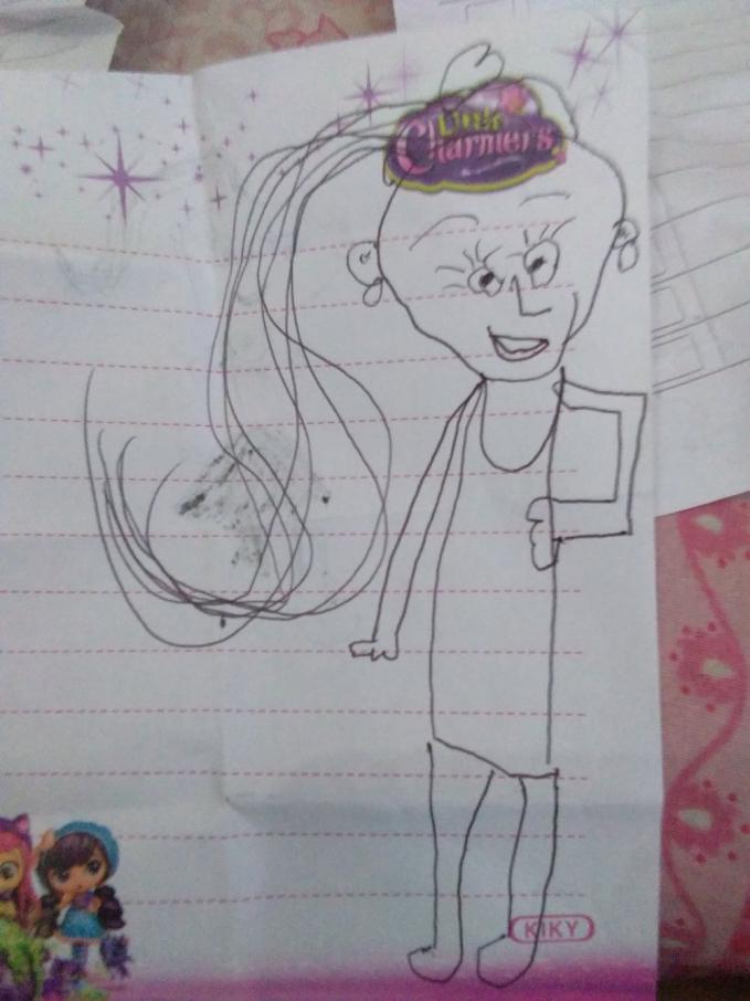 Bocah bernama Ela ini menggambar sosok wanita dengan ikatan rambut.