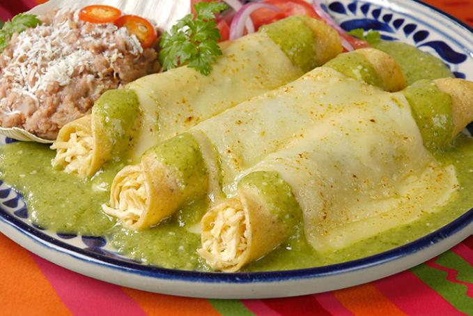 Reclussorio preventivo Norte, Mexico City Untuk mengantisipasi penyelundupan makanan, penjara ini punya kebijakan yang memperbolehkan tahanan memesan makanan apapun yang mereka suka pada hari-hari tertentu. Rasa kangennya bisa terobati lah ya?!