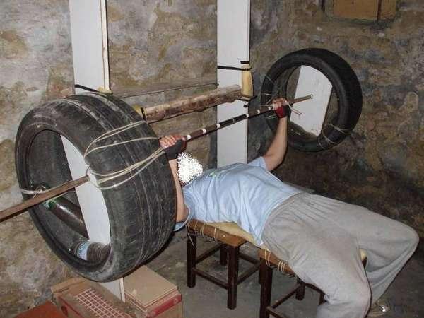 DIY barbel, buat kamu yang terinspirasi juga bisa membuatnya di rumah lho.