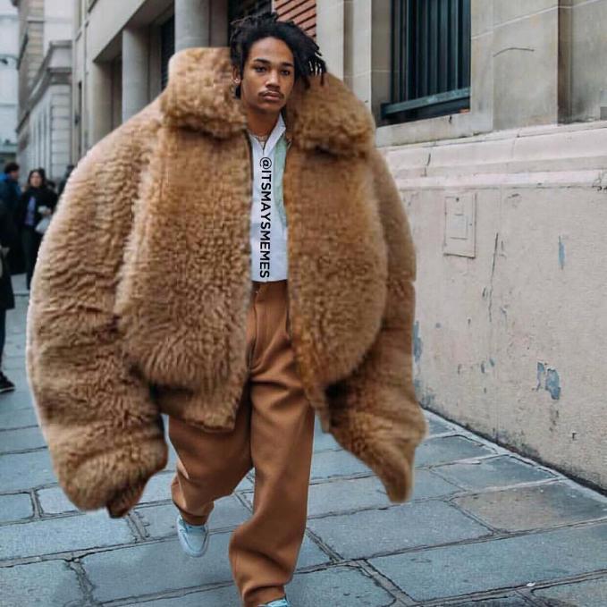 Dijamin deh hangatnya bakalan berasa banget kalau jaketnya kayak gini.