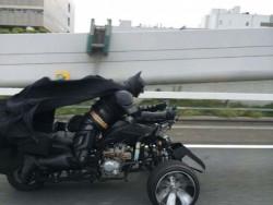 10 Aksi Gokil Penggemar Batman dari Penjuru Dunia, Fans Sejati Banget Nih !