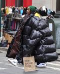Foto Editan Saat Orang Mengenakan Jaket Ngembang Berukuran Jumbo, Kocak Abis