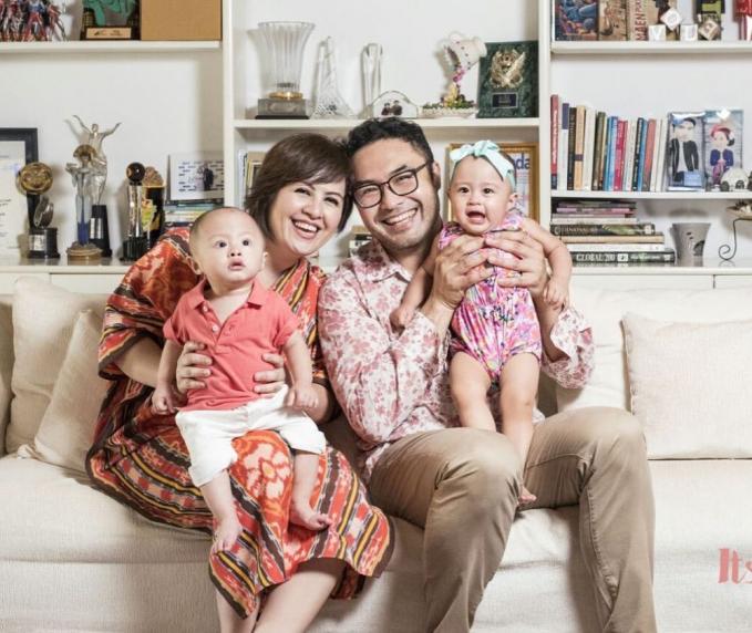 Surya Saputra dan Chintya Lamusu Meskipun melalui program bayi tabung, tapi pasangan ini langsung dikaruniai anak kembar laki - laki dan perempuan.