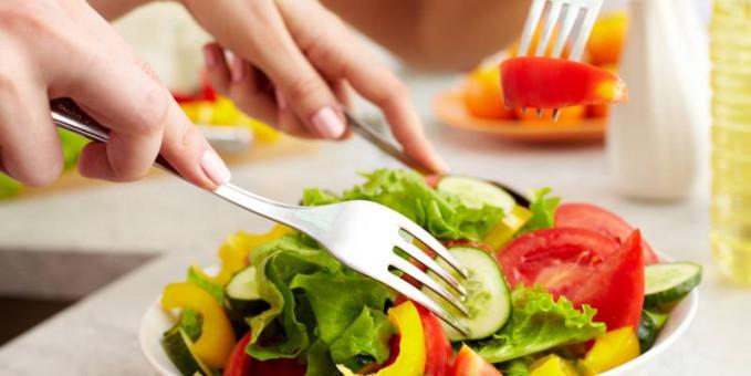 Makan makanan yang sehat,sayur,buah,jauhi lemak lemak jahat.dan hindari goreng gorengan dan makanan yang tidak sehat lainnya.Apalagi makanan instan yang akhir akhir ini sering kita konsumsi