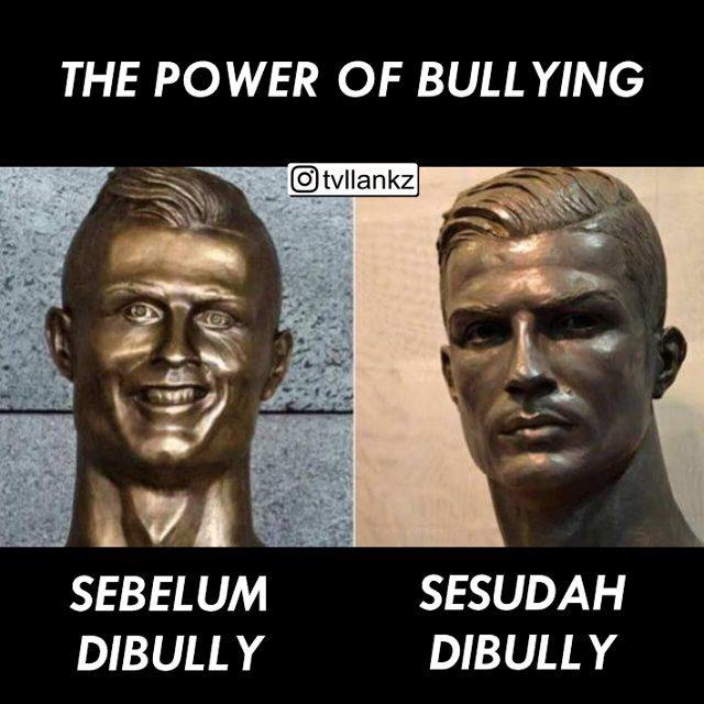 Sebelumnya wajah patung Ronaldo nampak kurang pas, akhirnya sampai kena bully Pulsker. Tapi setelah di bully wajahnya berubah makin bersinar.