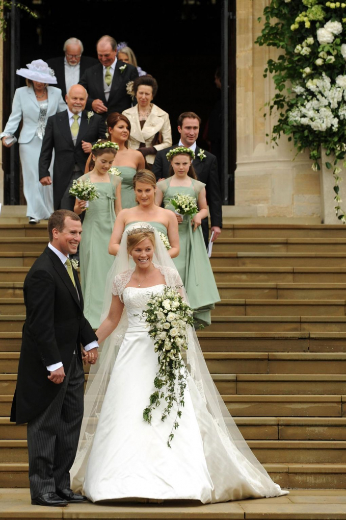 Nggak selalu memakai gaun panjang, pernikahan Petter Philip dengan Autumn Kelly, digelar dengan konsep minimalis tahun 2008.