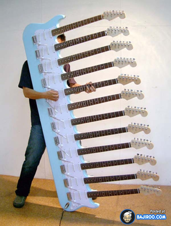 Main gitar dengan stang satu aja kadang masih susah, apalagi sebanyak ini. Nggak pusing tuh?.