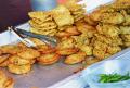 Walaupun Lezat, 7 Makanan Ini Bisa Bikin Bau Badan