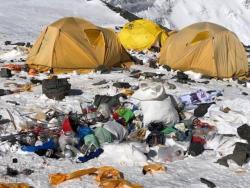 Miris! Begini Potret Tumpukan Sampah Dibalik Pesona Gunung Everest