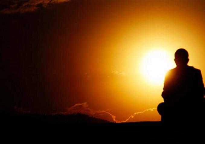 Meningkatkan kesadaran Dalam meditasi akan memusatkan fikiran pada diri kita dan tujuan hidup kita. Jadi kalau selama ini kita tidak fokus,maka dalam meditasi akan lebih bisa tenang memikirkan apa tujian kita.