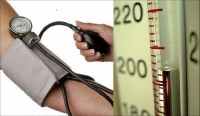 Mengatasi hipertensi Ternyata hipertensi tidak hanya bisa diatasi dengan obat atau ramuan atau juga menghindari makanan tertentu.Tapi ternyata meditasi juga bermanfaat untuk mengatasi hipertensi ini.Terkadang hipertensi kambuh karena pkiran yang terlalu banyak atau berat.Nah dengan meditasi ini, pikiran menjadi lebih tenang dan hipertensi...jadi lupa tuh